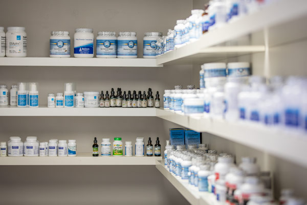 vitamins-and-minerals-on-shelves