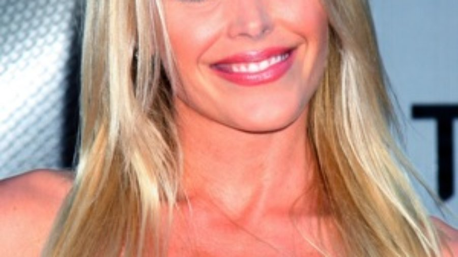 Blond Woman - charlotte hashimoto's disease treatment